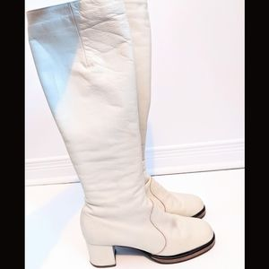 Shoes - 💫Host Pic💫 Vintage white leather go go boots
